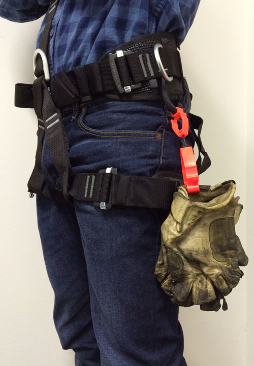 glove-clip-on-harness
